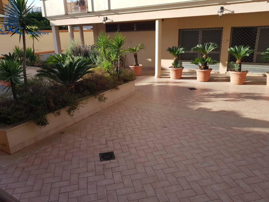 Appartamento con terrazzo zona jambo 100% mutuabile