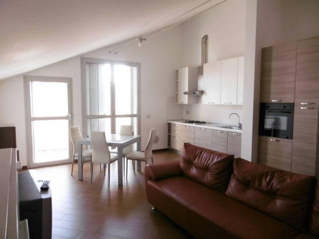 Appartamento in ottime condizioni in vendita Rif. 6906192