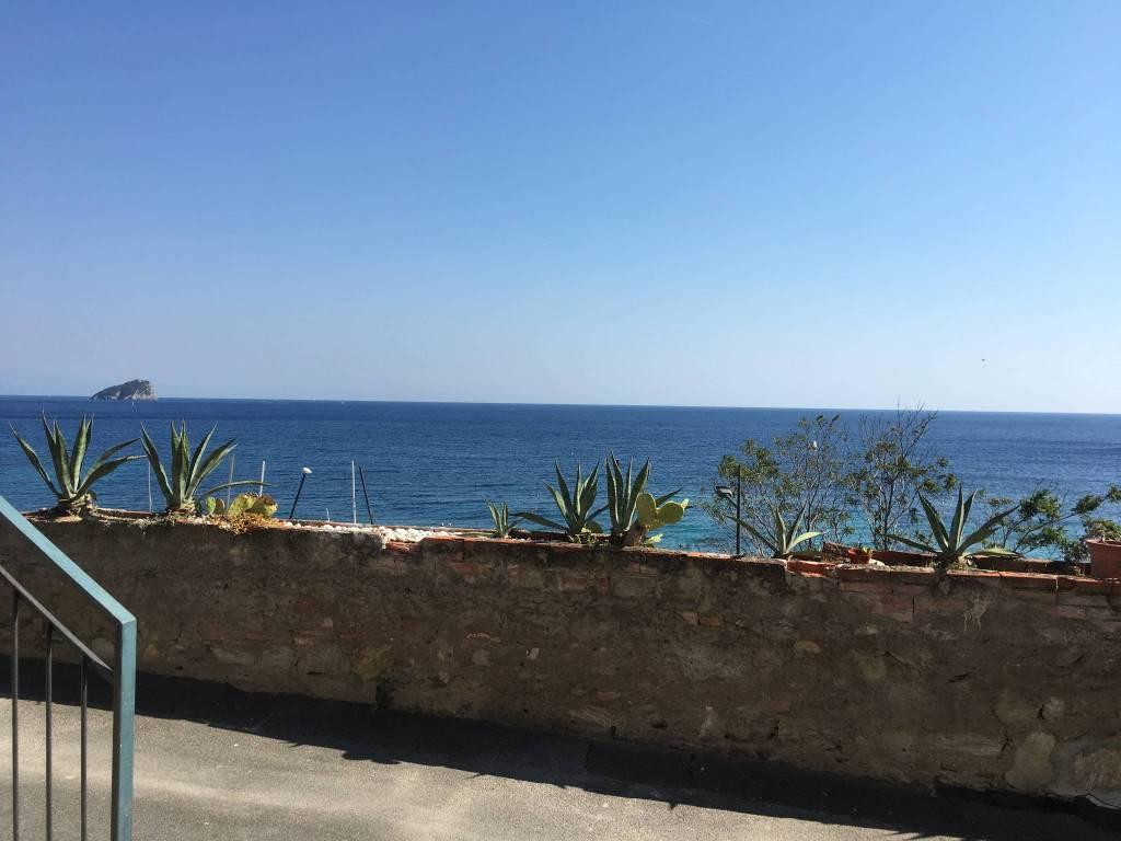 Noli Regione Chiariventi a pochi metri dal mare