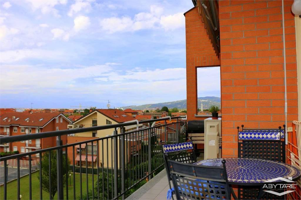 Appartamento in ottime condizioni in vendita Rif. 8109589