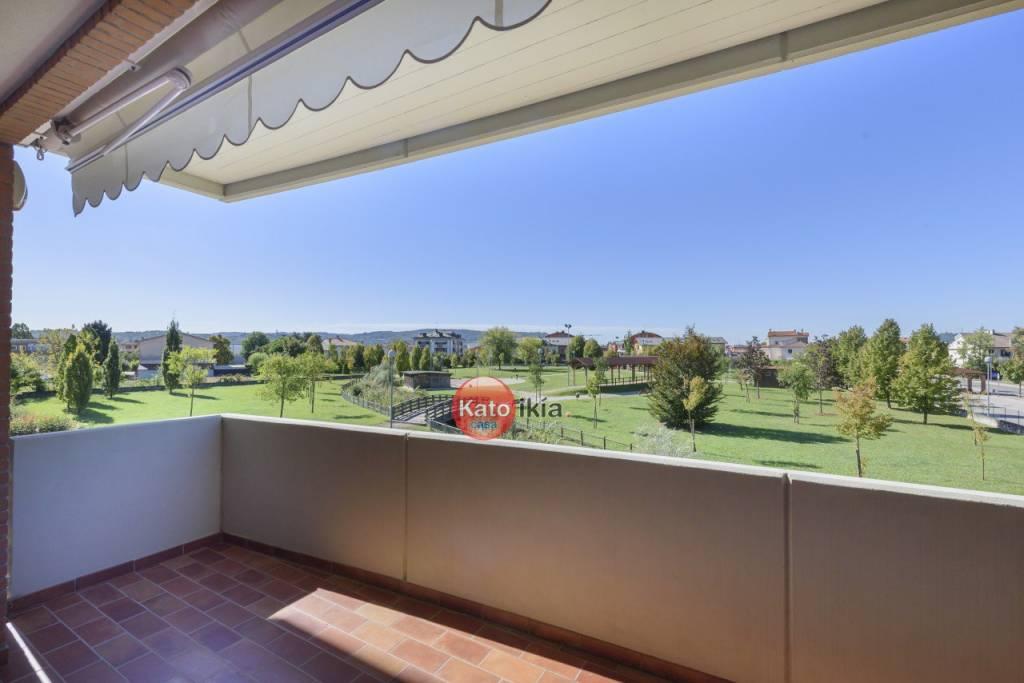 Appartamento in ottime condizioni in vendita Rif. 8108301