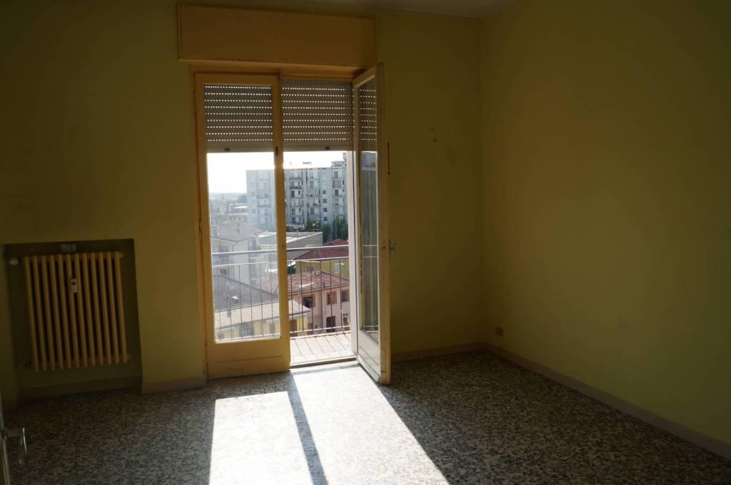 Appartamento da ristrutturare in vendita Rif. 8465406