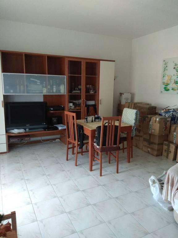 Appartamento in ottime condizioni arredato in vendita Rif. 8064153
