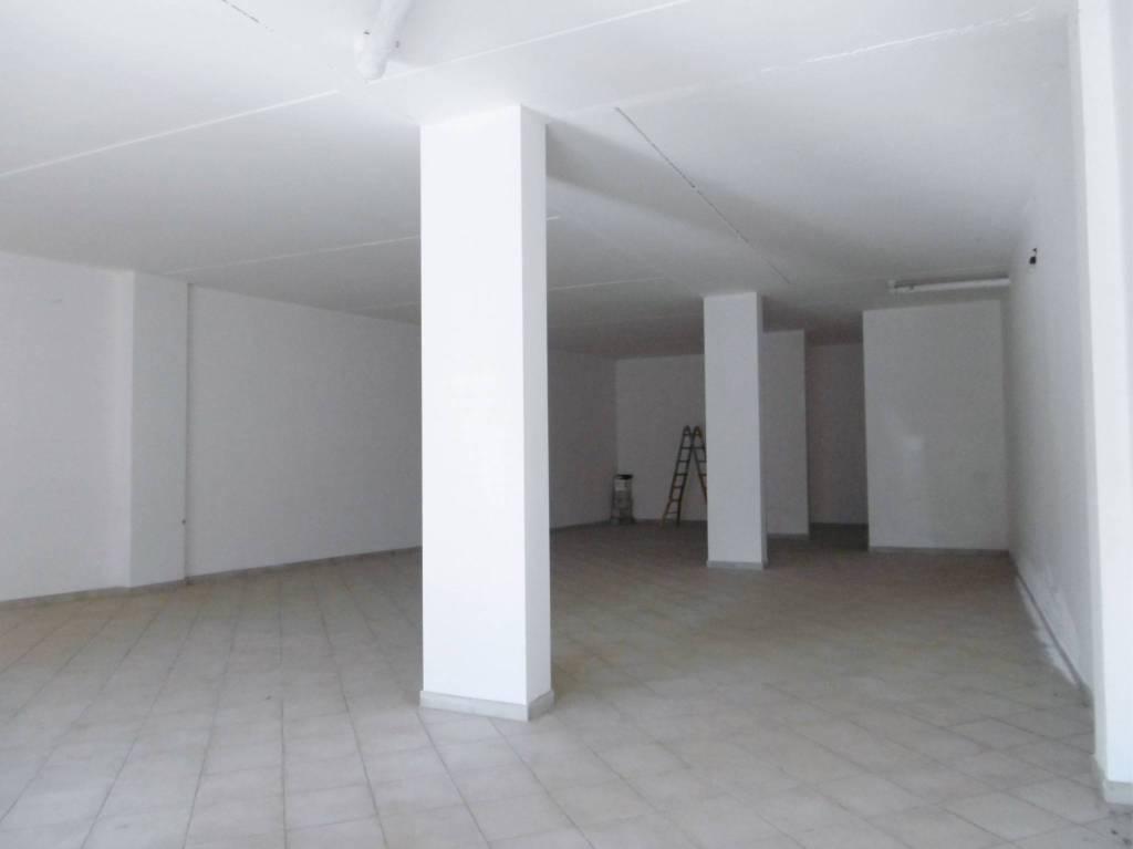 Locale Commerciale in pieno centro a Borgo Carso Rif. 8113218
