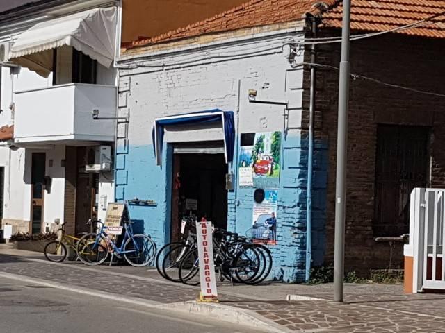 Rif. 39 Locale con garage fronte strada Rif. 8111598