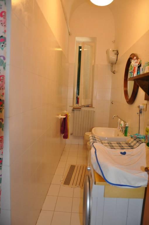 Appartamento in buone condizioni parzialmente arredato in affitto Rif. 8111161