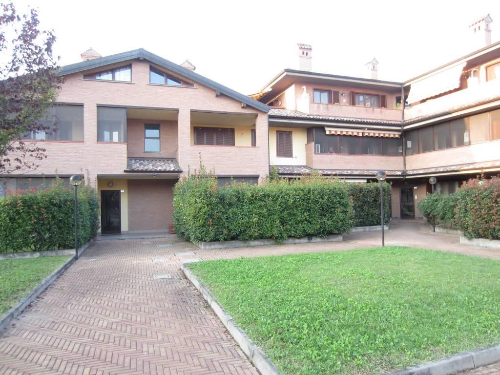 Appartamento in ottime condizioni in vendita Rif. 8109743