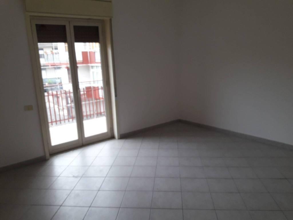 Appartamento da ristrutturare in vendita Rif. 8112311