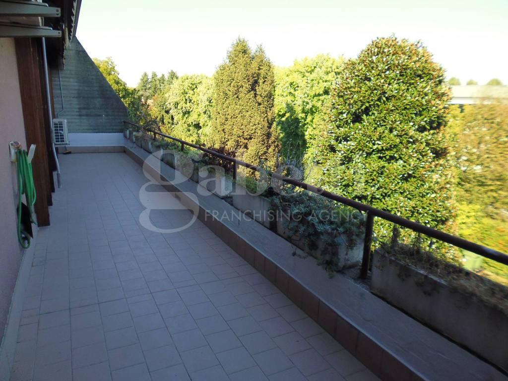 Appartamento in ottime condizioni in vendita Rif. 8109170