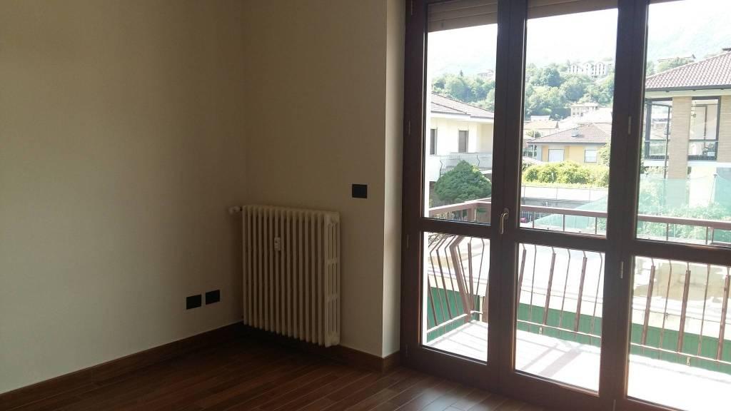 Appartamento in ottime condizioni in affitto Rif. 6964115