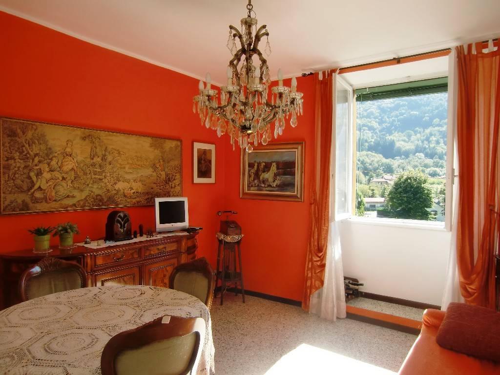 Appartamento in buone condizioni in vendita Rif. 8109215