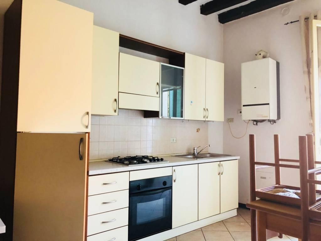 Appartamento in ottime condizioni arredato in affitto Rif. 8112388