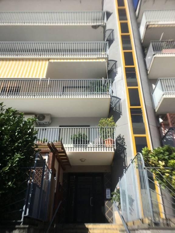 Appartamento in ottime condizioni in vendita Rif. 8109180