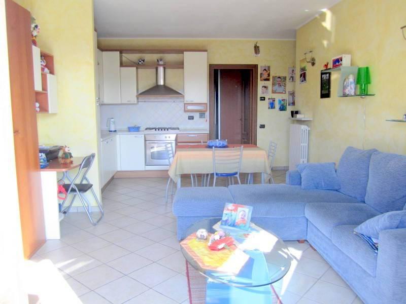 Appartamento in ottime condizioni in vendita Rif. 7187329