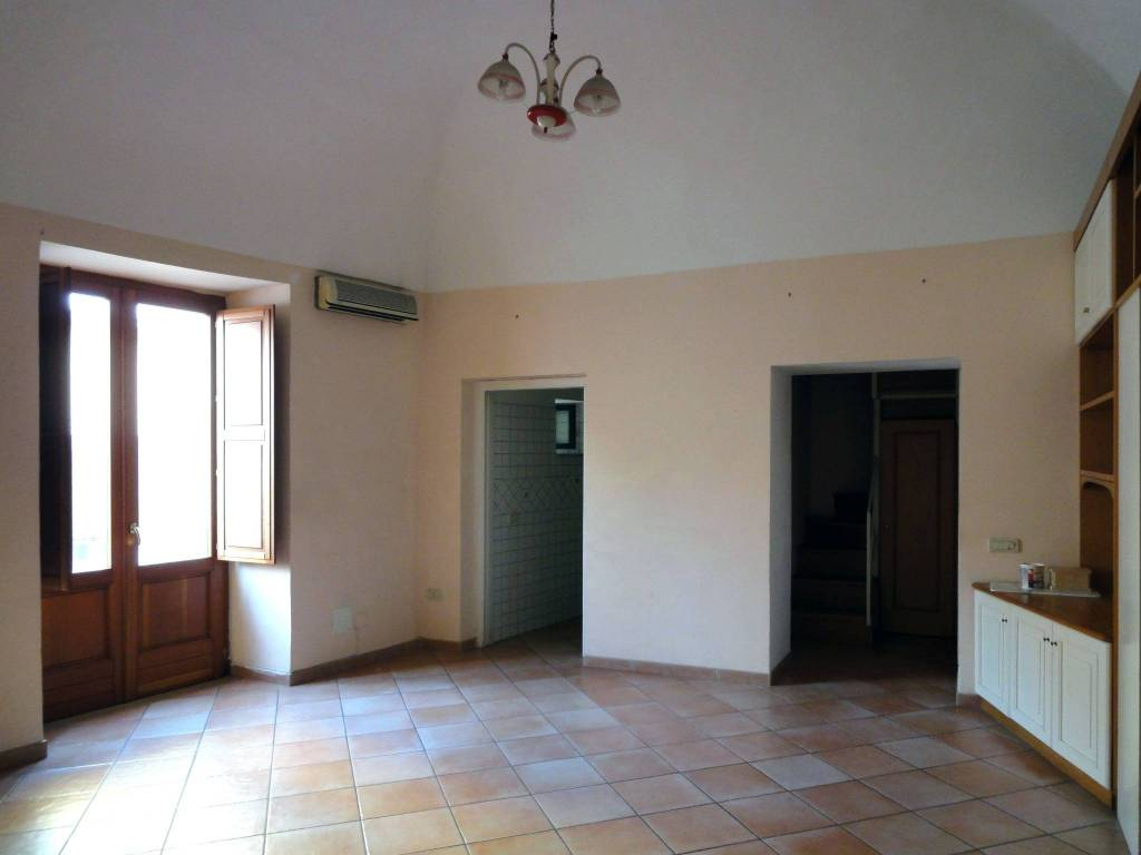 Appartamento in buone condizioni in vendita Rif. 5392186