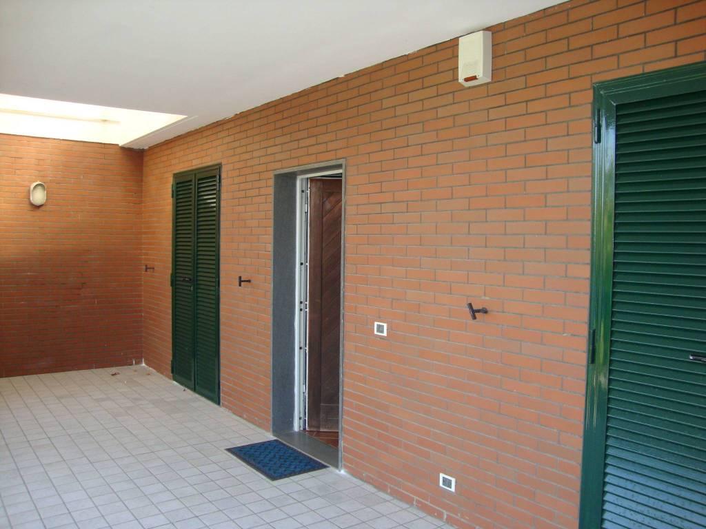 Villa in ottime condizioni in affitto Rif. 8107868