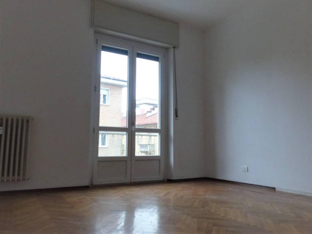 Appartamento in ottime condizioni in affitto Rif. 8112073