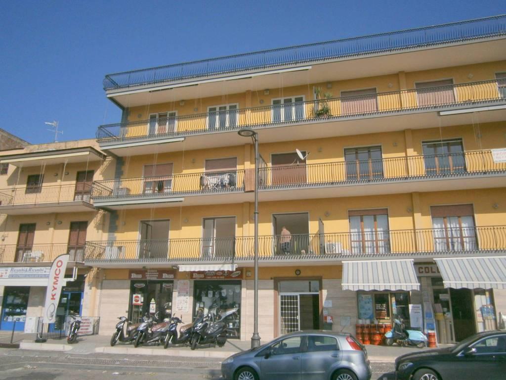 Appartamento in ottime condizioni in affitto Rif. 8549758