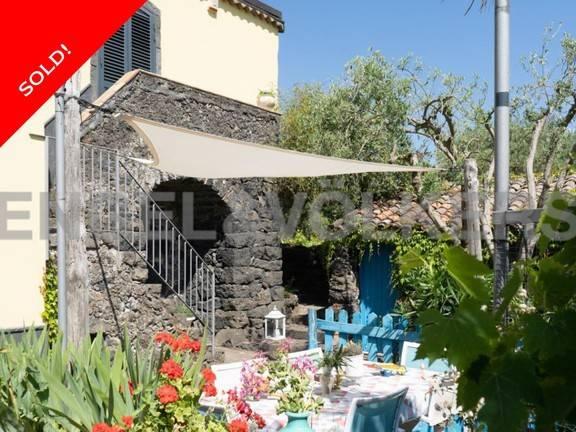 Villa in ottime condizioni parzialmente arredato in vendita Rif. 6742161