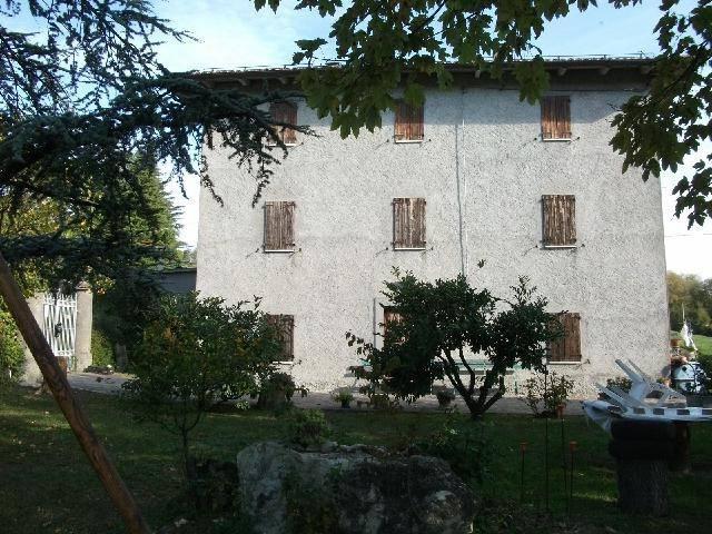 Rustico in Vendita a Zocca Centro: 5 locali, 610 mq