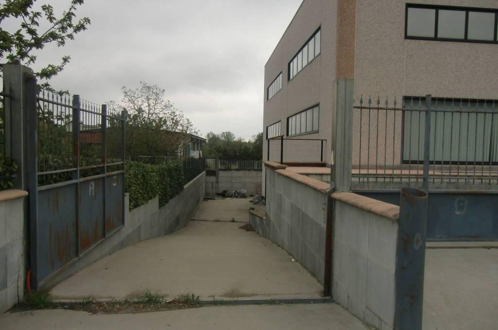Magazzino/Deposito/Lavorazioni Leggere Rif. 8109992