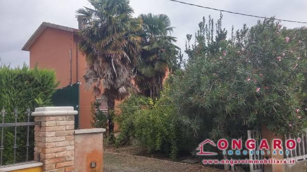 Casa Indipendente in buone condizioni arredato in vendita Rif. 8108442