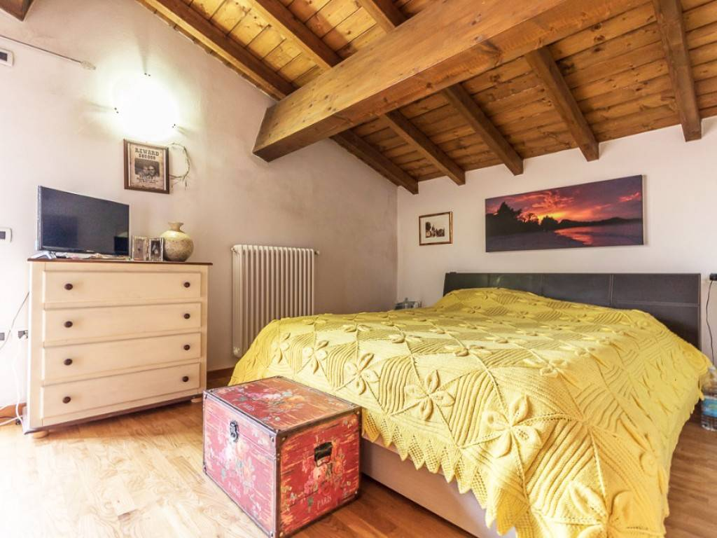 Appartamento in buone condizioni in vendita Rif. 8084465