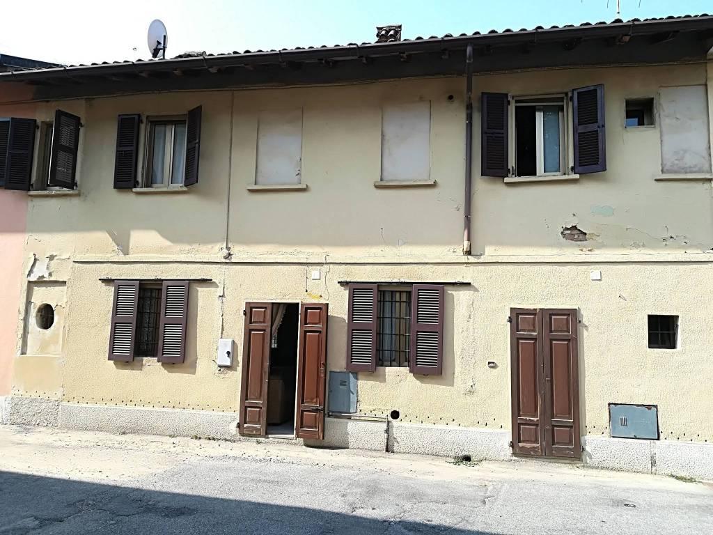 Casa Indipendente in buone condizioni in vendita Rif. 8109237