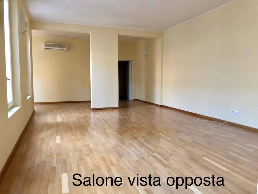 Attico / Mansarda in ottime condizioni parzialmente arredato in affitto Rif. 6909075