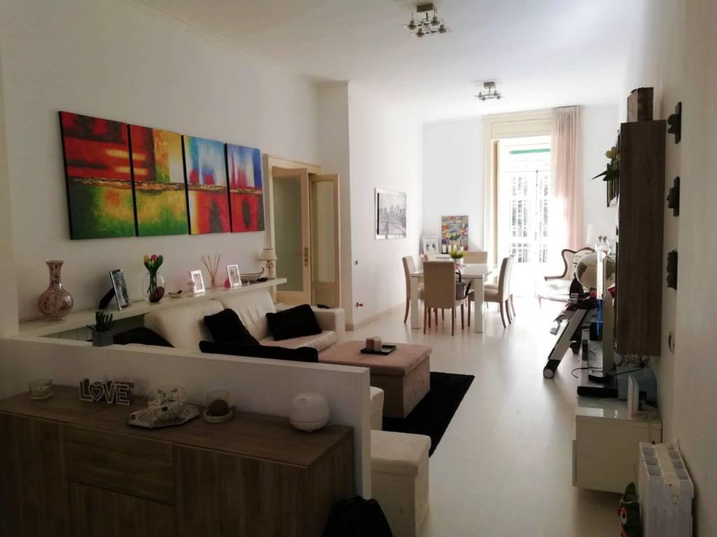 Appartamento in vendita 3 vani 115 mq.  via Girolamo Santacroce Napoli