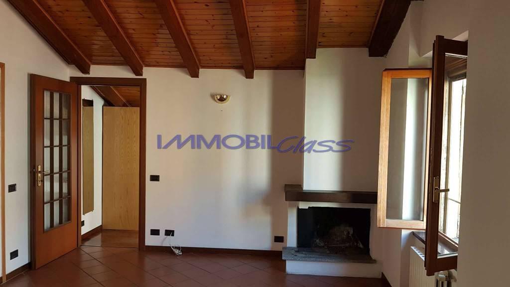 Appartamento in ottime condizioni arredato in affitto Rif. 8173512