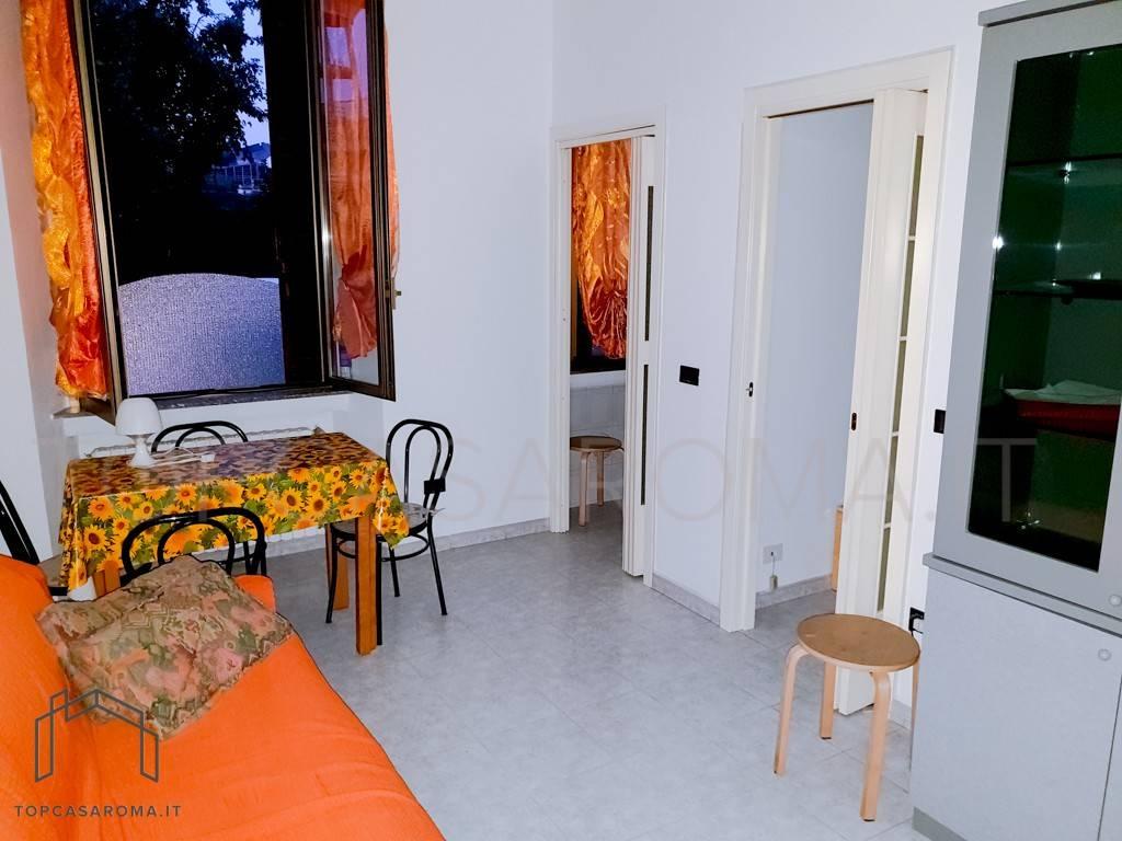 Appartamento in ottime condizioni arredato in affitto Rif. 7862041