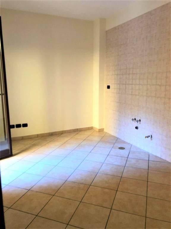 Appartamento in ottime condizioni in affitto Rif. 8143662