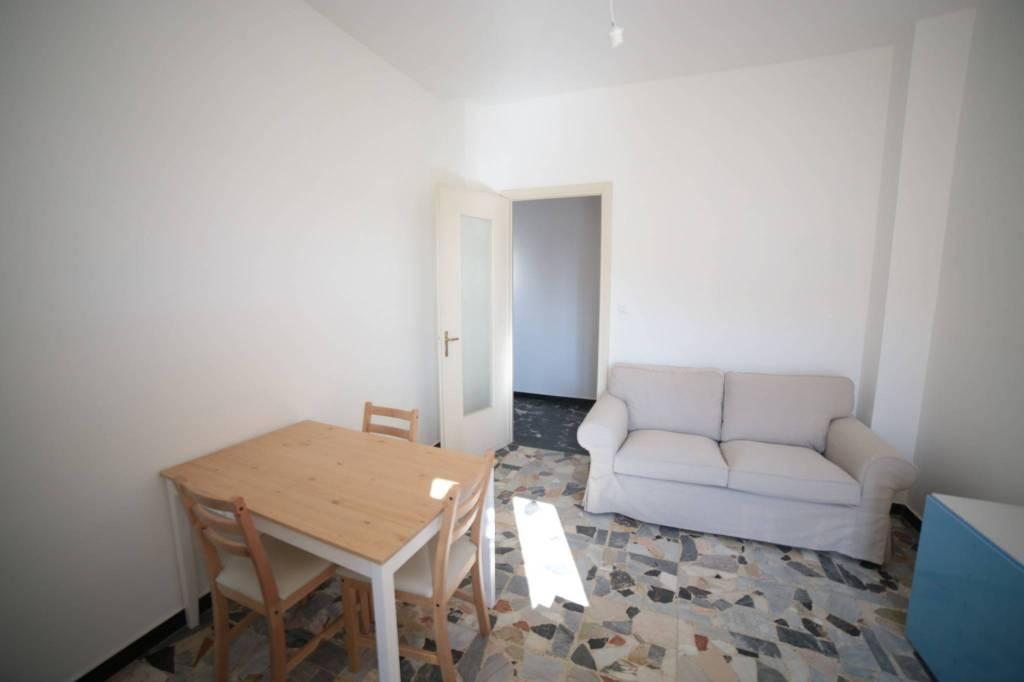 Appartamento in buone condizioni arredato in affitto Rif. 8143780