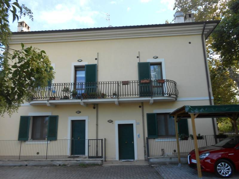 Appartamento parzialmente arredato in vendita Rif. 8133130