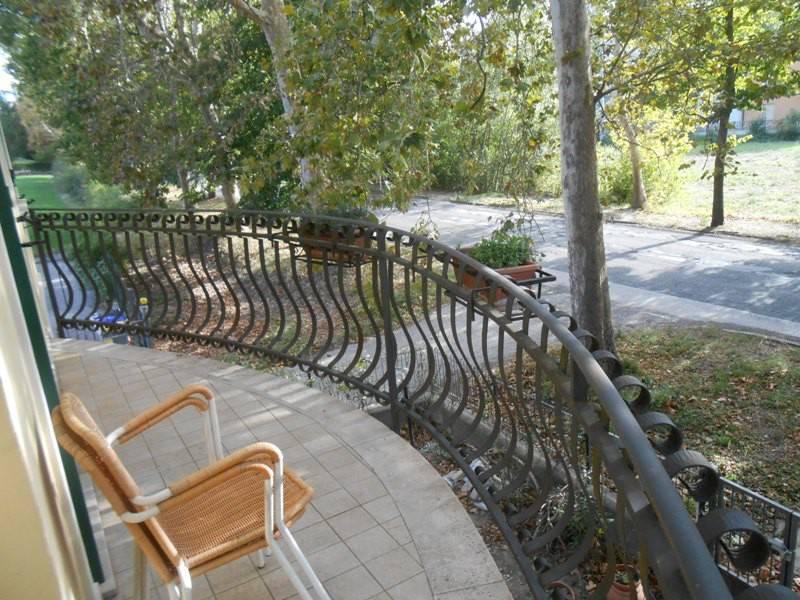 Appartamento in ottime condizioni parzialmente arredato in vendita Rif. 8133131