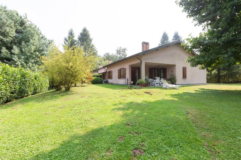 Villa in vendita a Guanzate, 8 locali, prezzo € 525.000 | PortaleAgenzieImmobiliari.it