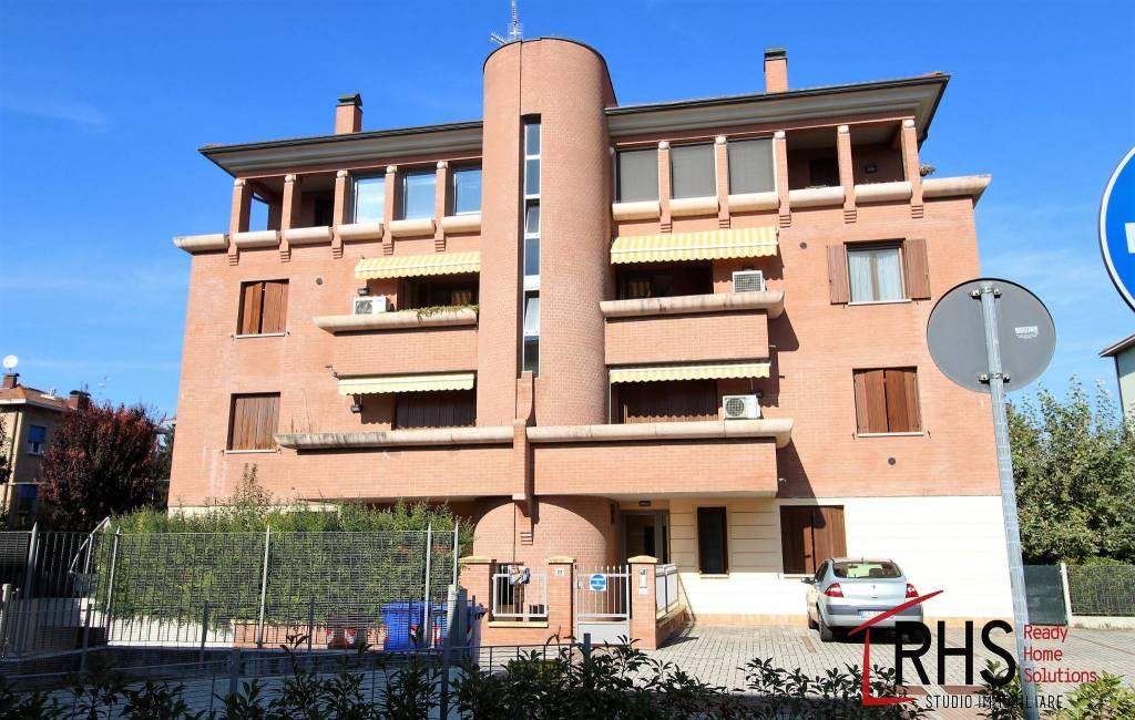 Appartamento in ottime condizioni in vendita Rif. 8143637