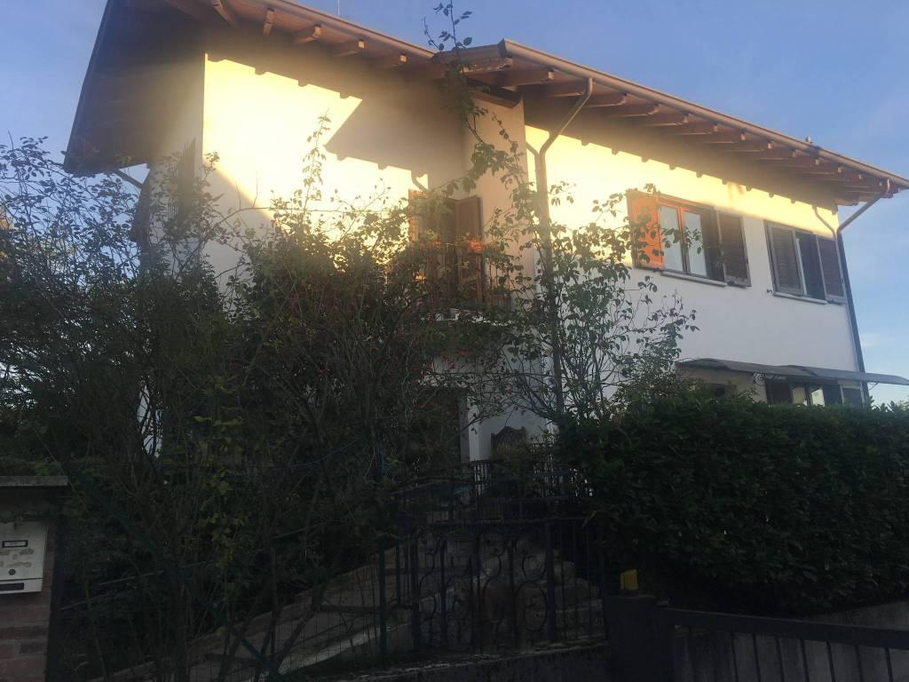 Appartamento in vendita a Borgomanero, 4 locali, prezzo € 150.000 | PortaleAgenzieImmobiliari.it