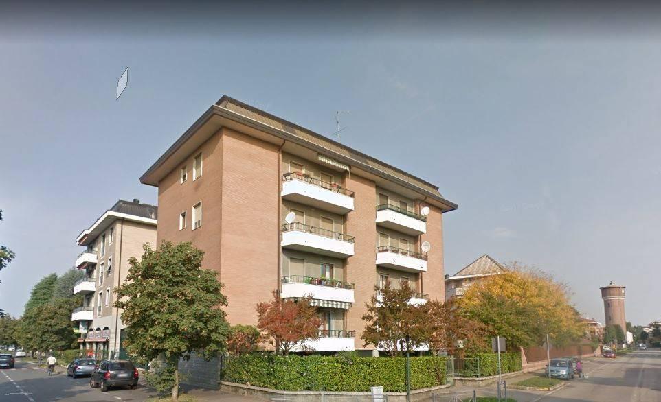 Appartamento in buone condizioni in vendita Rif. 9448448