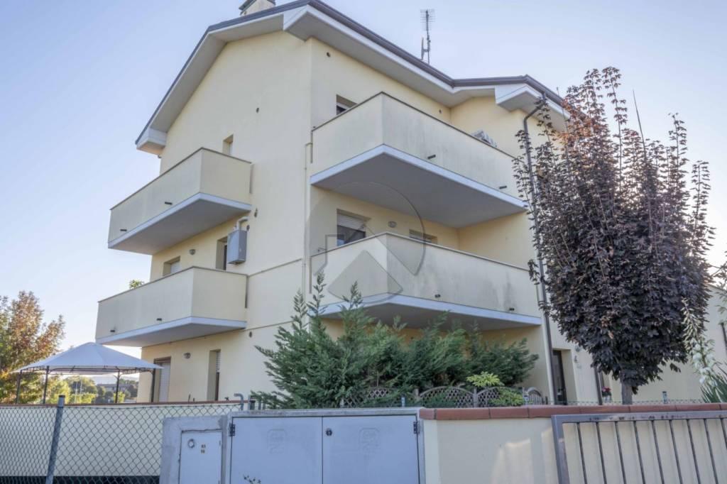 Appartamento in buone condizioni in vendita Rif. 8134467