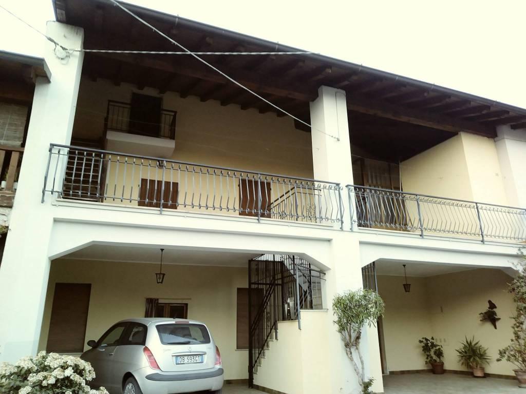 Appartamento in buone condizioni parzialmente arredato in affitto Rif. 8140980