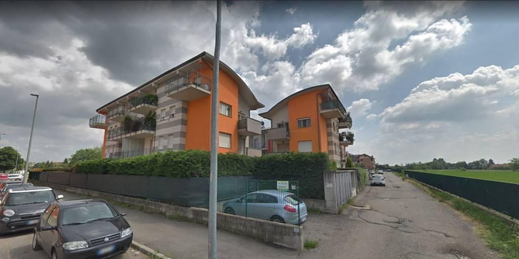 Appartamento in buone condizioni in vendita Rif. 8640828