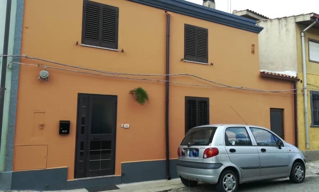 Villa a schiera trilocale in vendita a San Vero Milis (OR)
