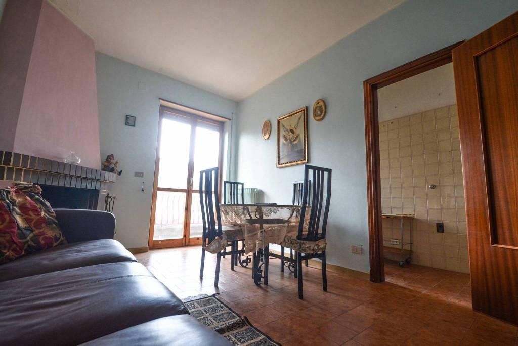 Appartamento da ristrutturare in vendita Rif. 8137814