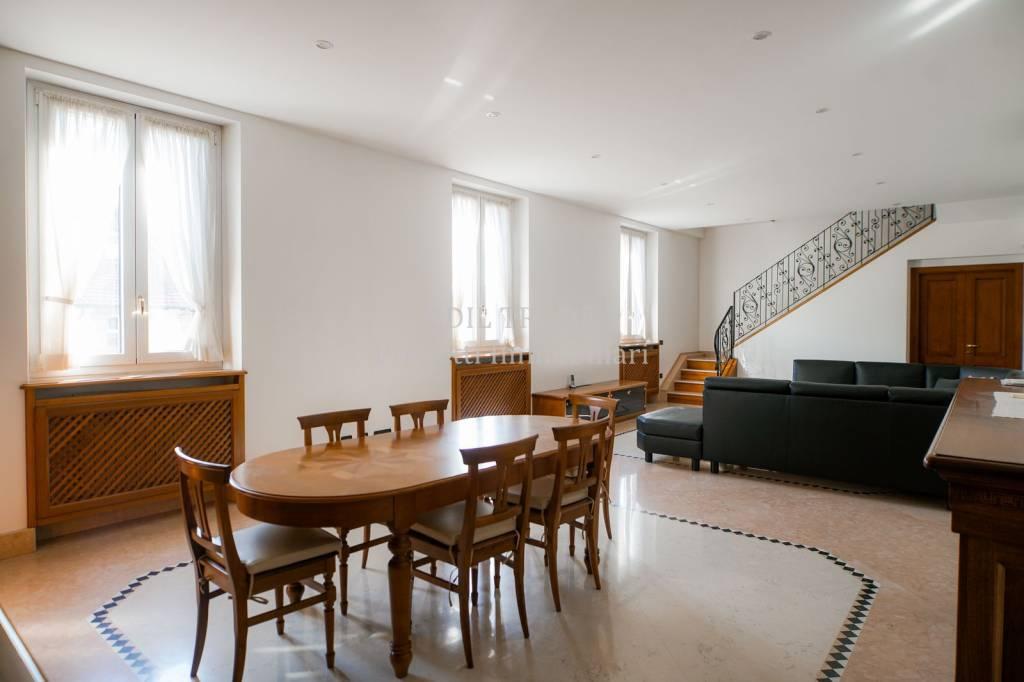 Appartamento in Vendita a Milano 08 Vercelli / Magenta / Cadorna / Washington: 5 locali, 310 mq