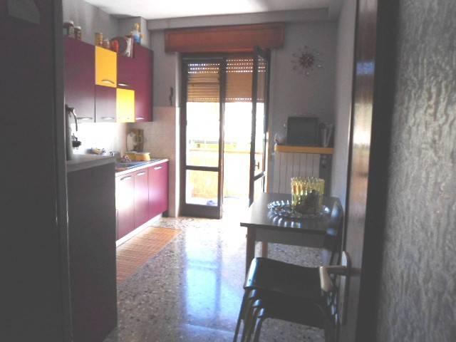 Appartamento in ottime condizioni in vendita Rif. 8269203