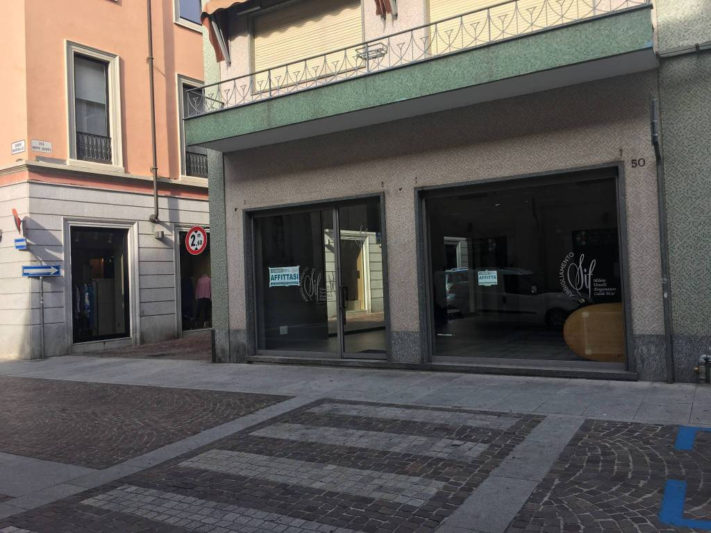 Negozio / Locale in affitto a Borgomanero, 1 locali, prezzo € 1.500 | PortaleAgenzieImmobiliari.it