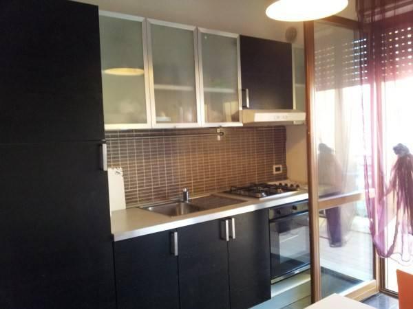 Appartamento in buone condizioni arredato in affitto Rif. 9260556