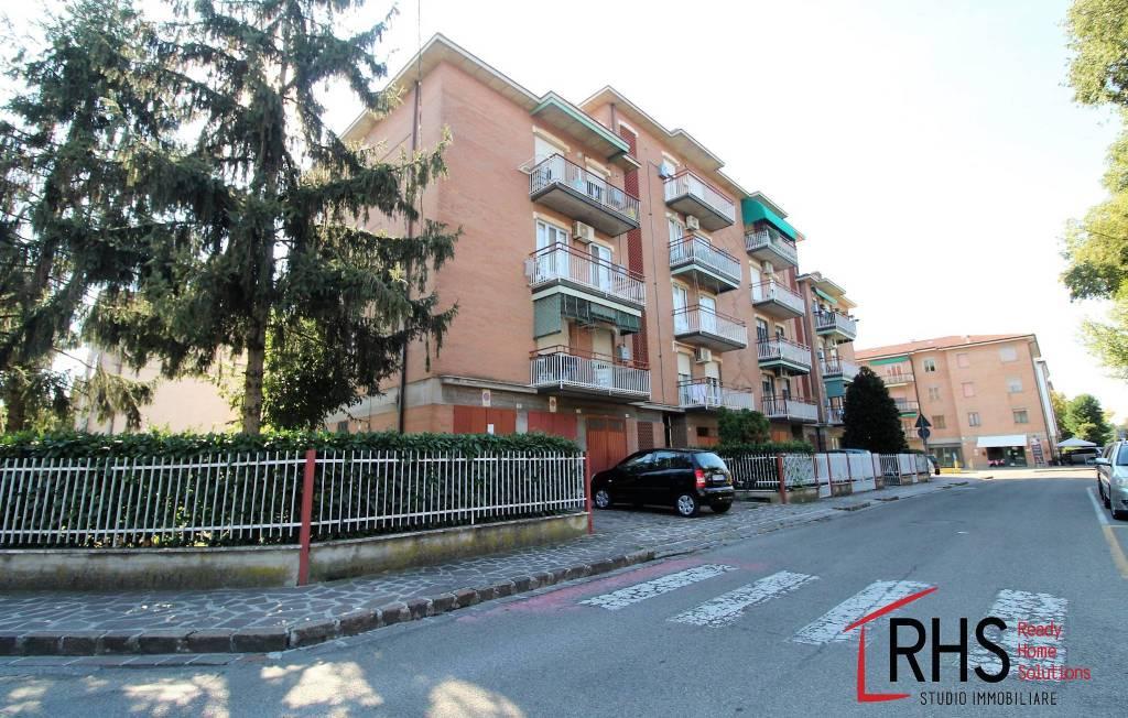 Appartamento in buone condizioni in vendita Rif. 8143638